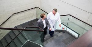Präzise Strahlentherapie mit Protonen bei Krebserkrankungen.